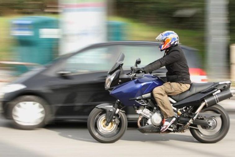Дай дорогу! В Благовещенске разгар противостояния автомобилистов и мотоциклистов