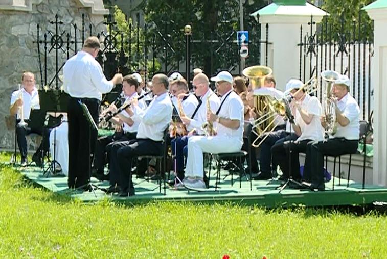 Музыкальное утро устраивает для благовещенцев Архиерейский духовой оркестр