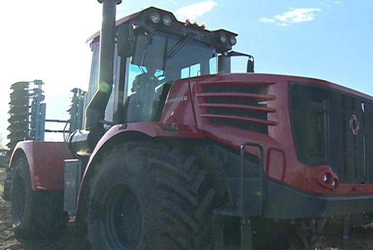 Амурские аграрии получат сельхозтехники почти на 500 млн рублей