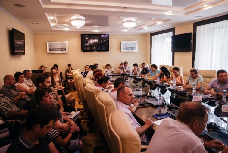 Меры поддержки обманутых дольщиков обсудили на общественных слушаниях