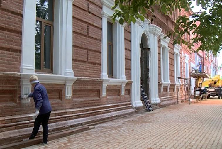 В Благовещенске реставрируют историческое здание электроаппаратного завода