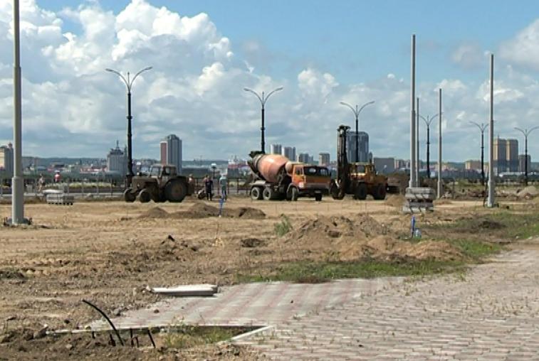 К монтажу детской площадки на набережной в Благовещенске приступят в сентябре