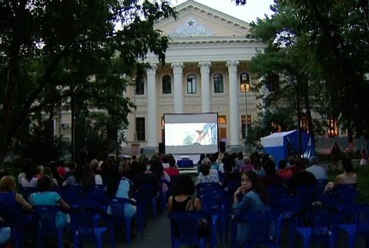 На фестивале уличного кино в Благовещенске показали шесть короткометражек