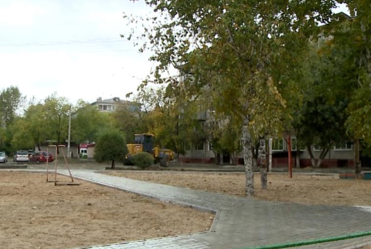 Качество ремонта благовещенских дворов оценила комиссия во главе с губернатором