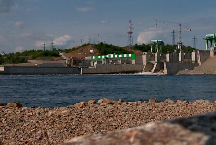 Для ремонта затвора на Нижне-Бурейской ГЭС увеличили сбросы воды