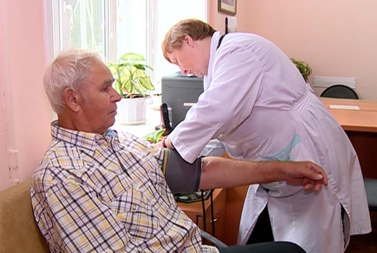 Сезонные обострения, медицина в шаговой доступности, кому помогает врач-гериатр