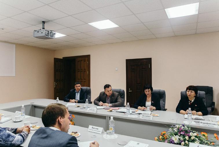 Губернатор призвал лидеров фракций Заксобрания к конструктивной работе над областным бюджетом
