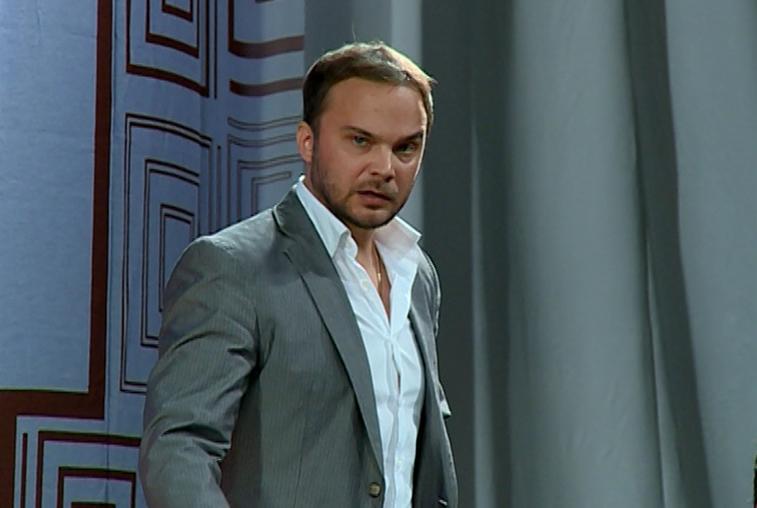 Андрей Чадов впервые за 15 лет сыграл на сцене в антрепризе «Шестикрылая Серафима»
