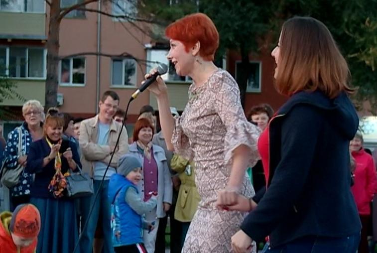 Гости фестиваля «Амурская осень» выступили на набережной