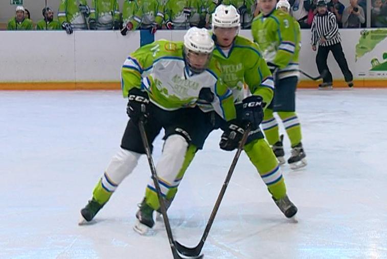Благовещенские хоккеисты обыграли команду «Амурской осени»