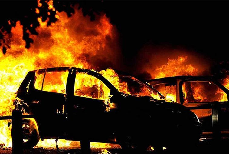 В Белогорске задержаны двое подозреваемых в поджогах автомобилей
