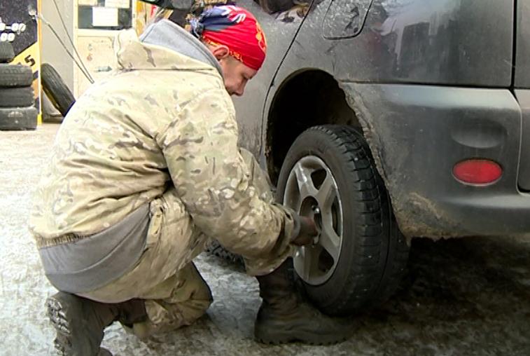 Амурским автомобилистам напоминают о необходимости замены резины