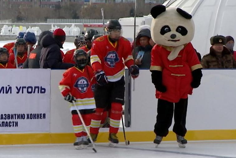 Международный хоккейный матч вновь организуют на льду Амура