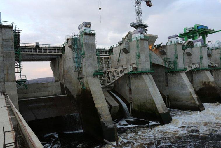 Водолазы смогут обследовать поврежденный затвор Нижне-Бурейской ГЭС