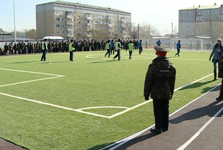 Современный стадион открыли при Амурском кадетском корпусе