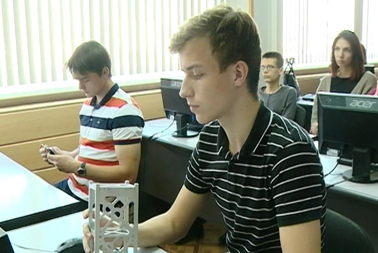 Студенты космических специальностей АмГУ будут получать диплом родного вуза