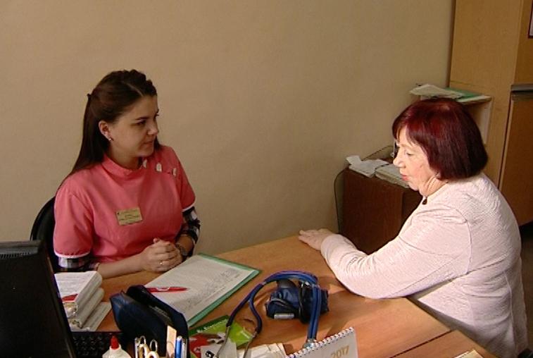 «Земский доктор» в действии: в Октябрьскую больницу приехали пять молодых врачей