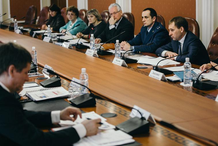 Власти Приамурья и РЖД рассмотрят все варианты, которые позволят избежать закрытия переезда в Архаре