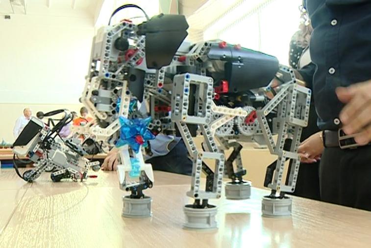 Центр инженерно-технического творчества открылся в благовещенской школе №16