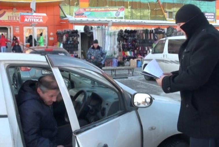 Благовещенец лишился автомобиля из-за коммунальных долгов
