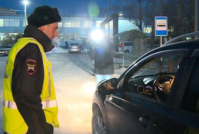 Благовещенских водителей проверили на предмет соблюдения правил перевозки детей