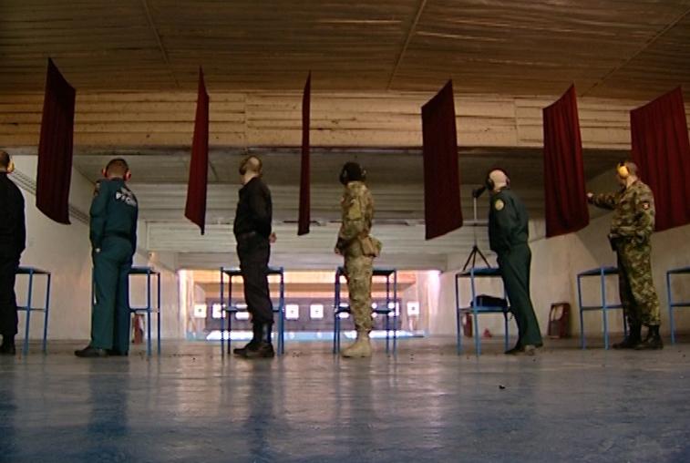 Росгвардейцы лидировали в чемпионате по стрельбе из боевого оружия