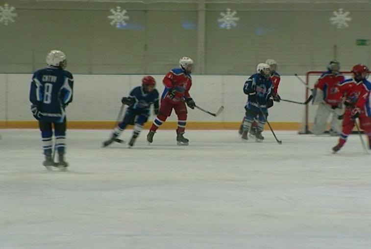 Международный детский хоккейный турнир стартовал с победы благовещенского «Форварда»