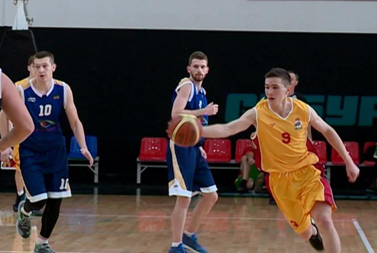 Амурские баскетболисты сразились за кубок области