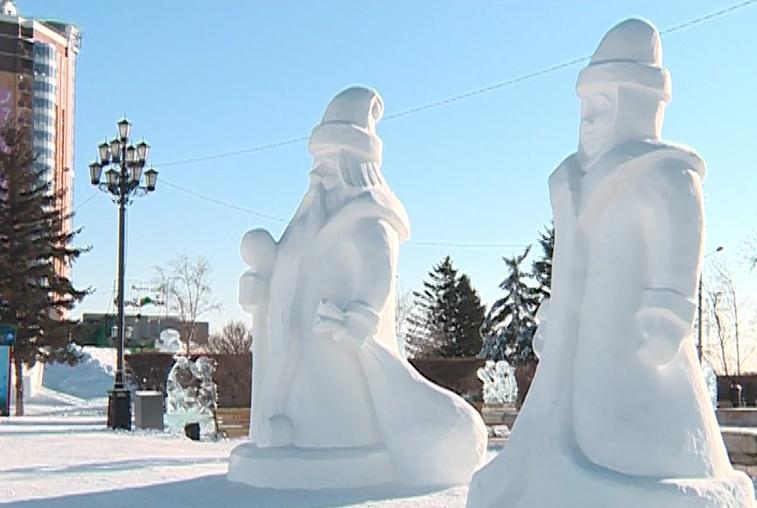 Новогодний городок открылся в Благовещенске