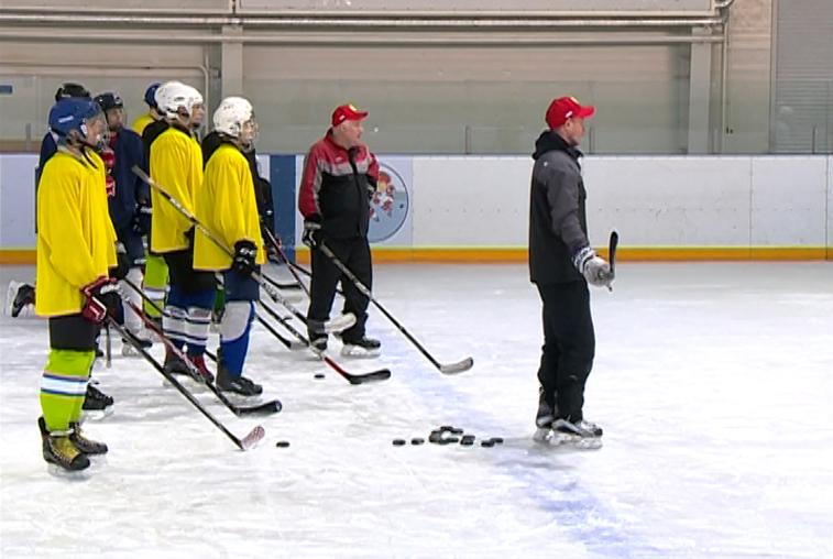 Амурские хоккеисты активно тренируются перед матчами с командами из Китая