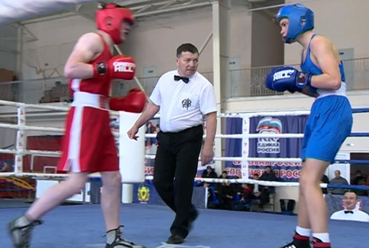 Амурские боксеры сразились за титул чемпиона области