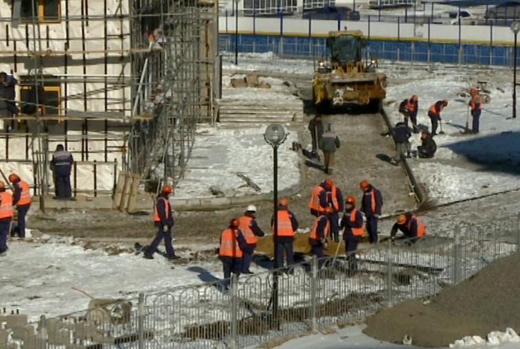 Студенты амурских колледжей пополнили бригады строителей Циолковского