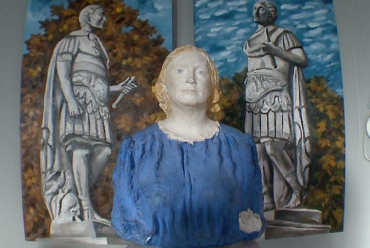 В Благовещенск привезли скульптуры и картины именитых художников