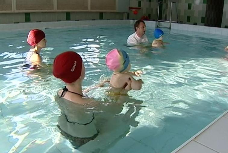 Группа по грудничковому плаванию появилась в свободненском спорткомплексе