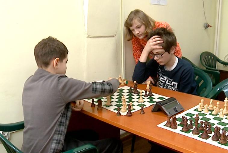 Детские шахматные соревнования «Белая ладья» возобновились в Благовещенске