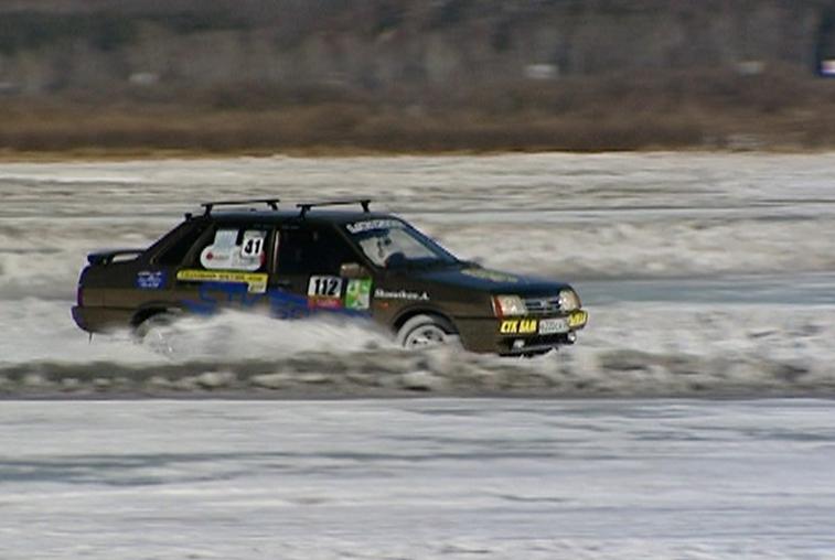 Финалистов чемпионата по любительским зимним автогонкам определили в Благовещенске