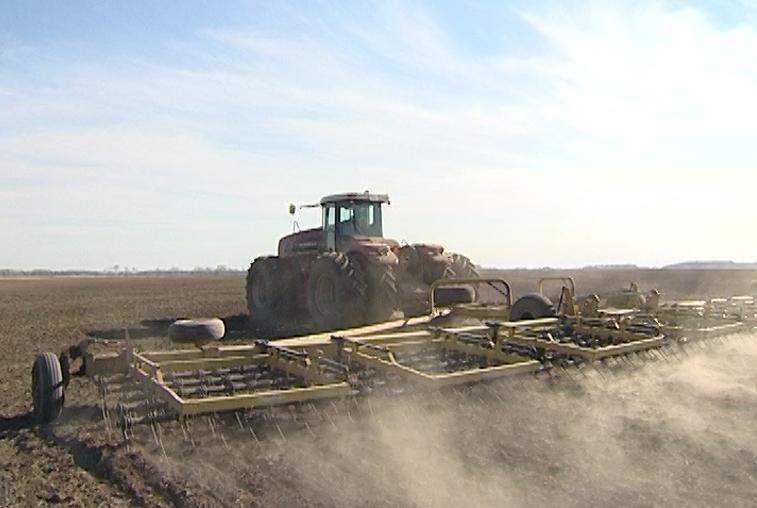 Севом ячменя открыли агросезон амурские земледельцы