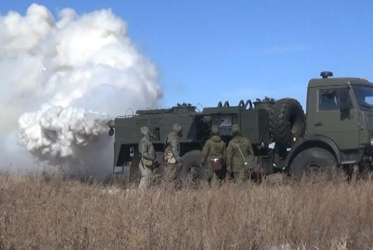 Амурские военные ликвидировали последствия условной техногенной аварии