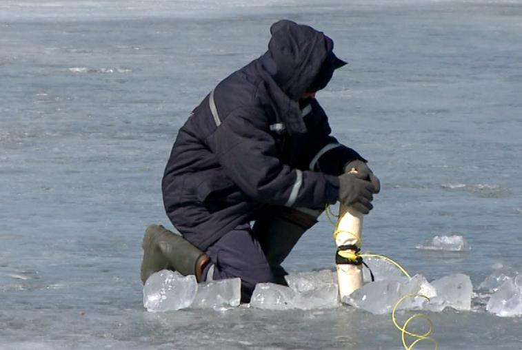 Слабее лёд — в безопасности сёла: в Шимановском районе провели подрывы на Амуре