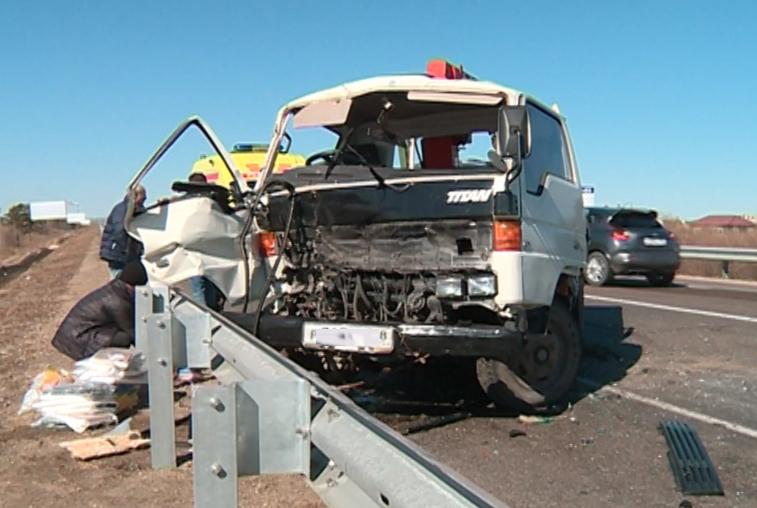 Три грузовика жестко столкнулись возле Владимировки