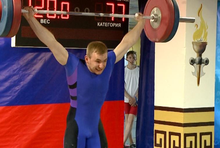 Областные соревнования по тяжёлой атлетике собрали около 50 спортсменов в Благовещенске