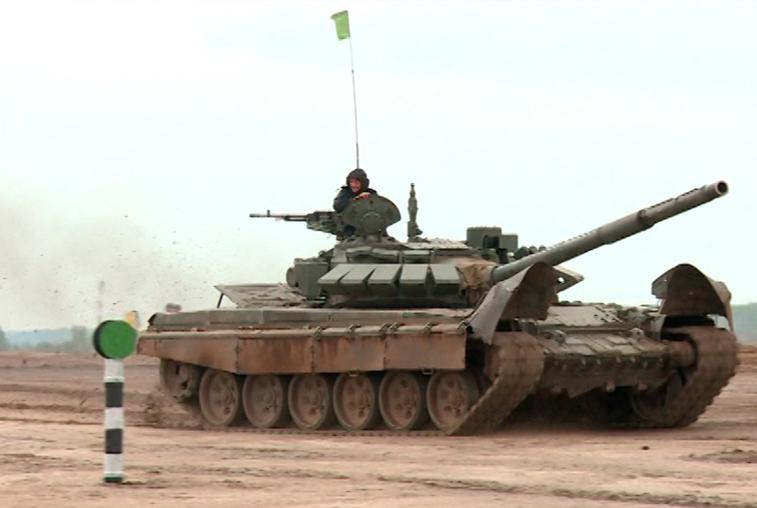 Команды Западного и Восточного военных округов сразились в «Танковом биатлоне»