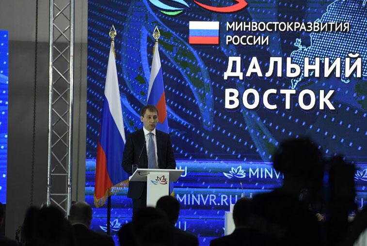 Диалог власти и общества смог наладить Александр Козлов за время работы губернатором
