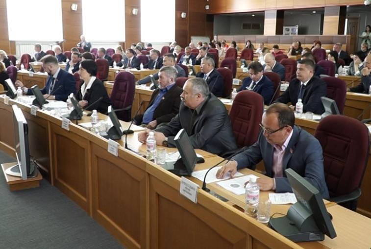 Поправки в законодательство о выборах губернатора приняли амурские депутаты