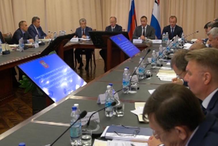 Вопрос авиасообщения поднял Юрий Трутнев на совещании в Петропавловске-Камчатском
