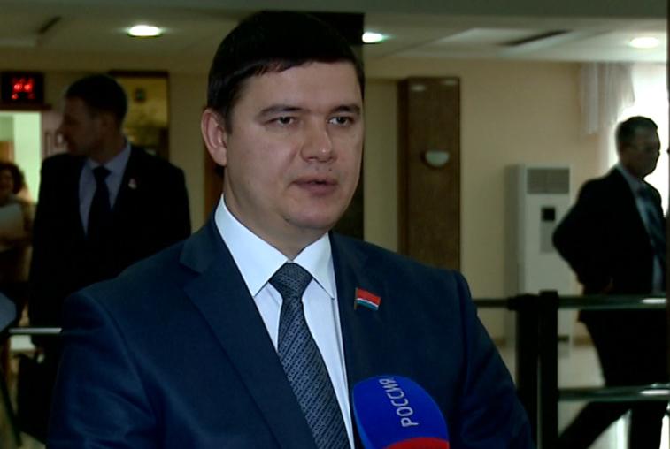 Справедливороссы и коммунисты выдвинули кандидатов на выборы депутата Госдумы от Приамурья