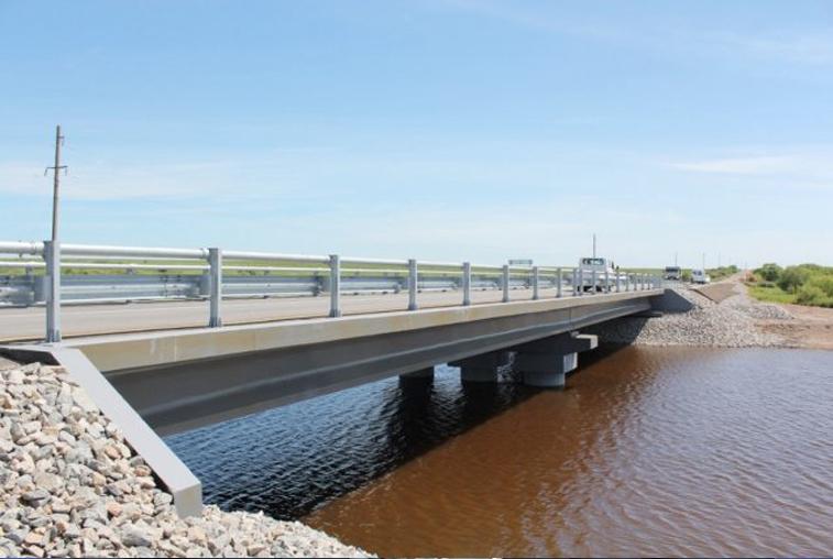 Разрушенный наводнением мост между Михайловским и Константиновским районами восстановлен