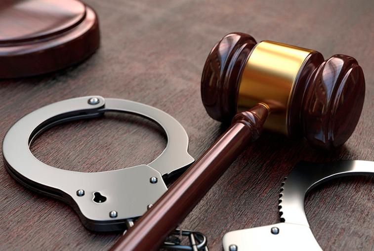 Арестом на 15 суток закончилась воскресная драка для трёх благовещенских болельщиков