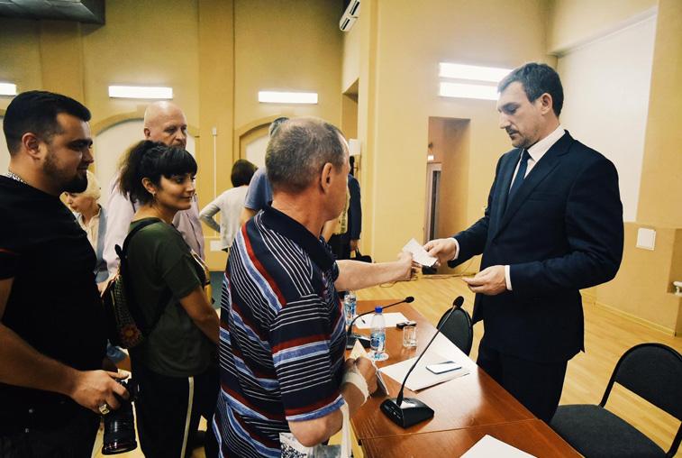 Развитие дорожно-уличной сети обсудили на встрече Василия Орлова с тындинцами