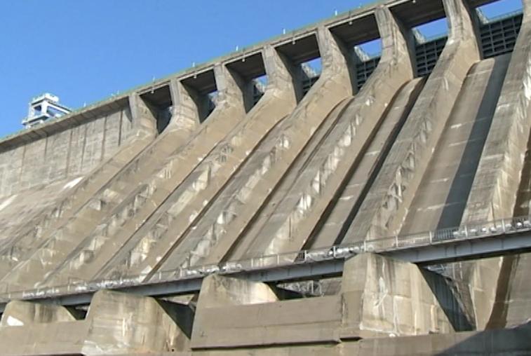 Зейская ГЭС снизила пропуск воды через гидроагрегаты из-за обильных осадков